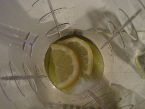 lemon in blender